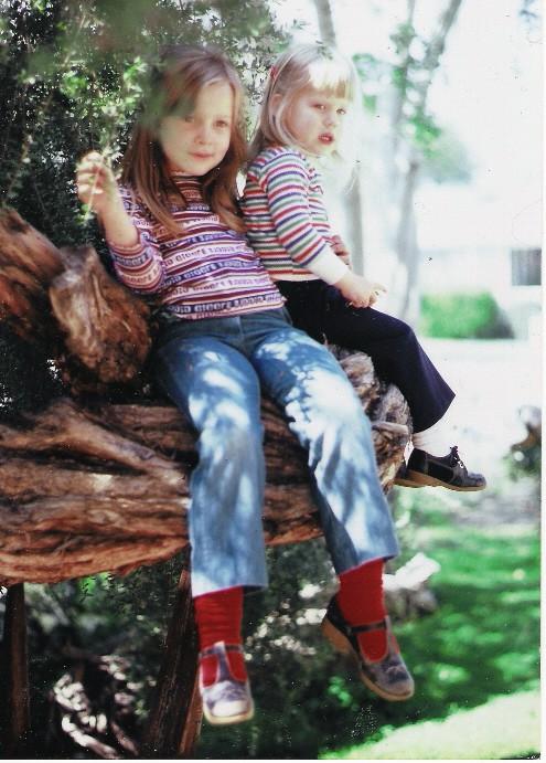 cropped-sisters2.jpg